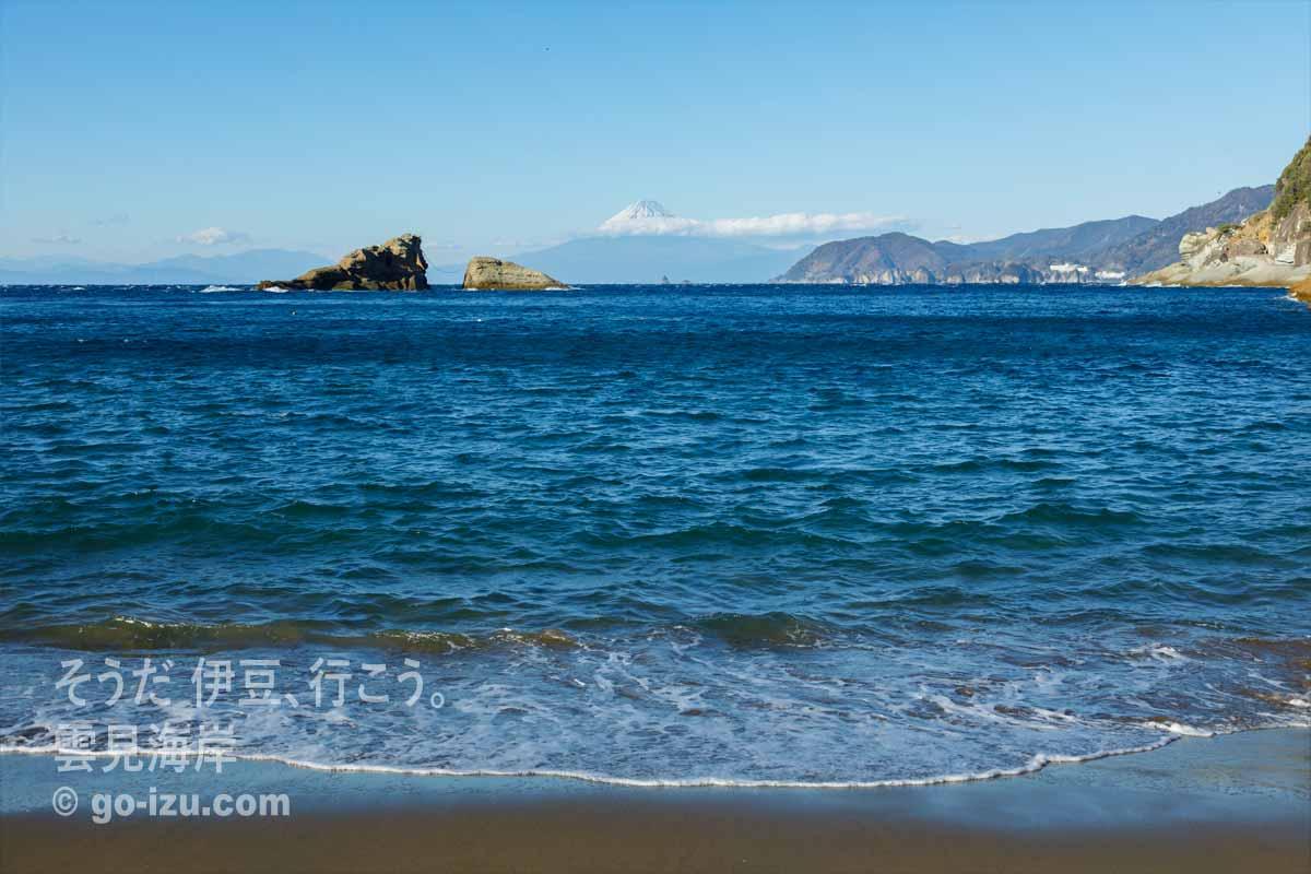 雲見海岸から拝む富士山