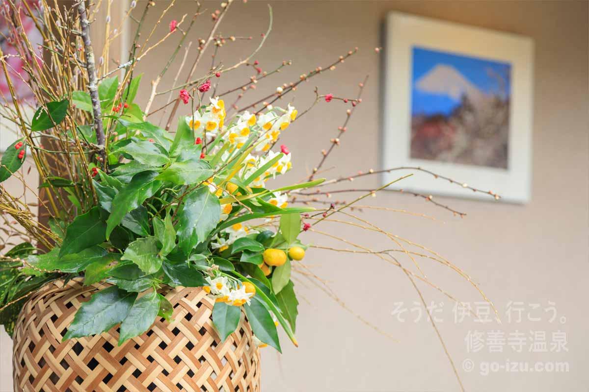 飾られた季節の花